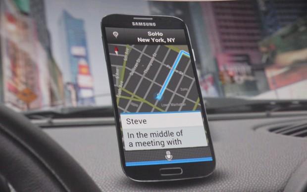 O sistema S Voice Drive permite que o usuário use o Galaxy S4 com segurança enquanto dirige  (Foto: Allan Melo/ TechTudo)