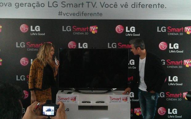 Nova linha de Smart TV LG Cinema (Foto: Rodrigo Bastos / TechTudo)