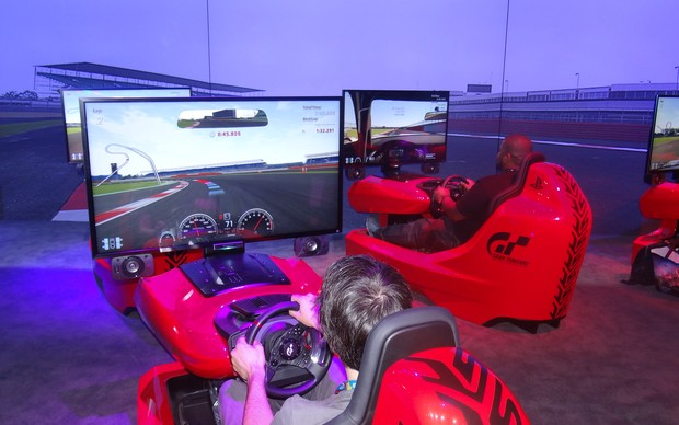 Testamos Gran Turismo 6 na E3 2013 (Foto: Renan Dayube / TechTudo)