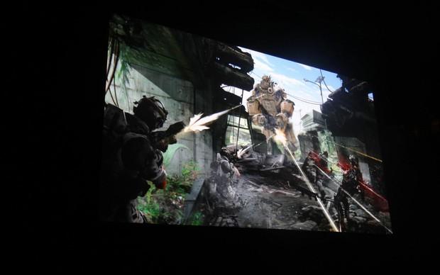 TitanFall em partida de exibição na E3 2013 (Foto: Renan Dayube / TechTudo)