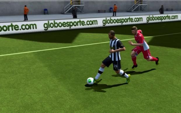 Jogadores mais velozes levam vantagem em Fifa 14 (Foto: Reprodução / TechTudo)