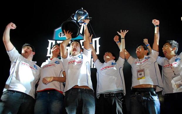 A equipe CNB foi a grande vencedora do Torneio de League of Legends realizado na BGS 2013 (Foto: Divulgação)