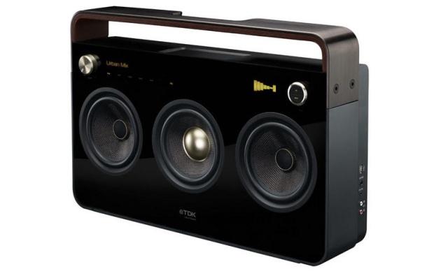Three-Speaker Boombox, da TDK