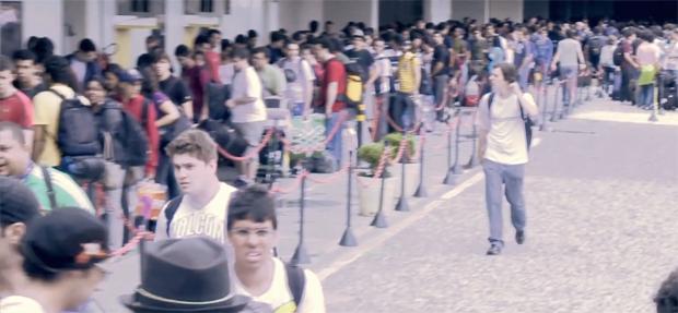 As filas foram um dos primeiros problemas enfrentados pelos 'campuseiros' (Foto: Reprodução)