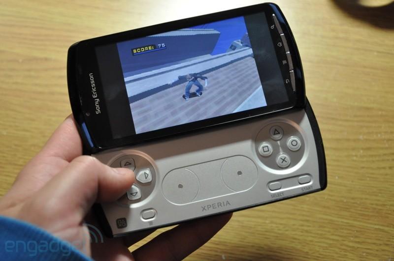 Tony Hawk's Pro Skater 4 emulado no Xperia Play (Foto: Engadget)