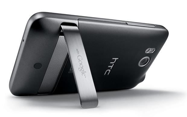 Detalhe da parte traseira do HTC Thunderbolt (Foto: Divulgação)