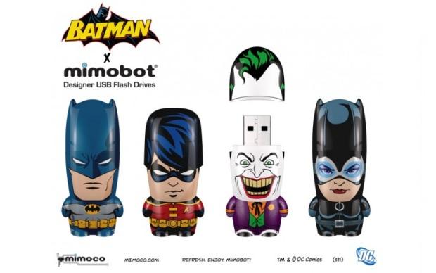 Batman, Robin, Coringa e Mulher-gato em versão pendrive (Foto: Divulgação)