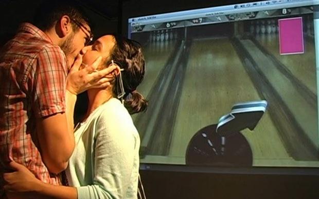 The Kissing Controller (Foto: Reprodução)