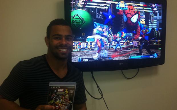 Esse foi o sortudo que conferiu o game antes do lançamento oficial (Foto: TechTudo)
