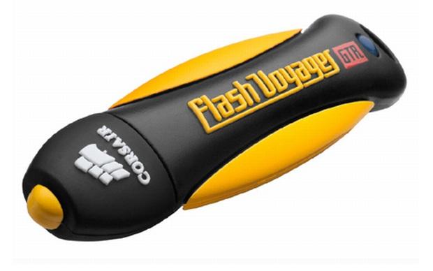O pendrive Flash Voyager, com entrada USB 3.0 e resistência a quedas e à agua. (Foto: Divulgação)