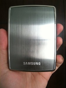 HD Externo Samsung S2 Portable 1 TB (Foto: Bruno do Amaral)