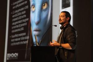 Alex Alvarez anuncia a parceria com a SAGA. (Foto: Divulgação)