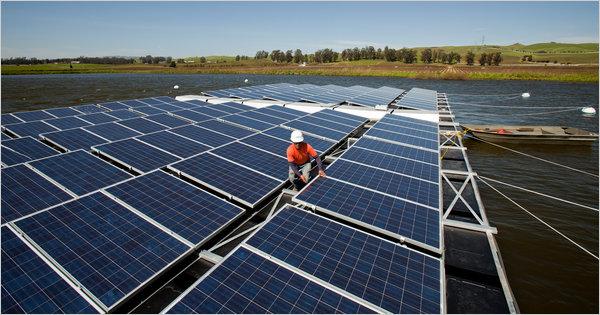 Paineis solares na água. (Foto: Divulgação)
