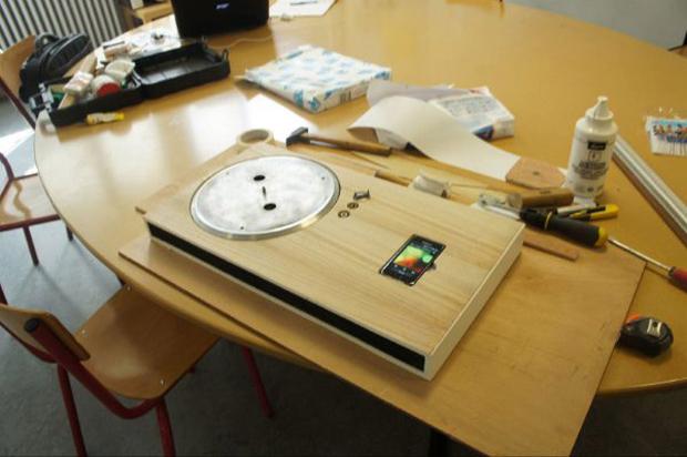 iPhone Turntable em construção (Foto: Divulgação)