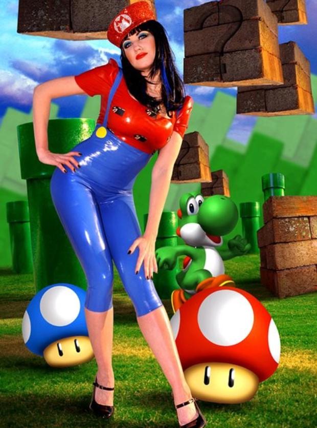 Super Mario Bros. em látex  (Foto: Kotaku)