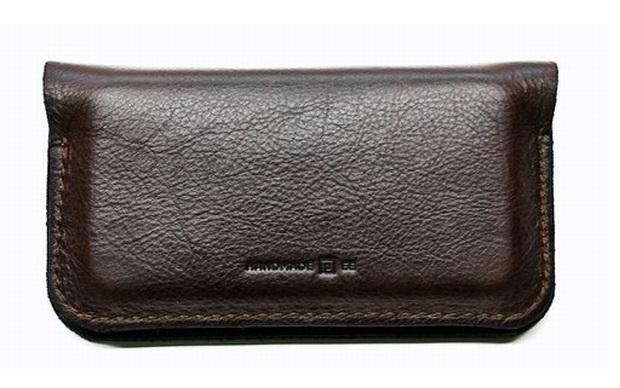 Retro Modern iPhone Wallet, o case-carteira da Portel. (Foto: Divulgação)