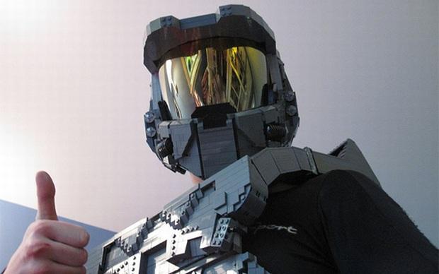 Armadura de Halo feita com LEGO (Foto: Divulgação)