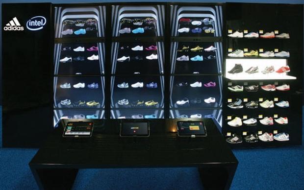 Adidas e Intel lançam telão para as lojas de tênis (Foto: Divulgação)
