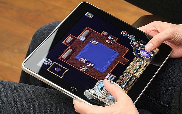Fling com o game Across Age (Foto: Divulgação)