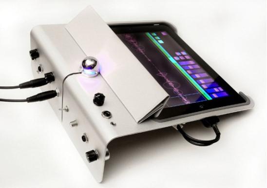 Dock caseiro para iPad 2. (Foto: Divulgação)