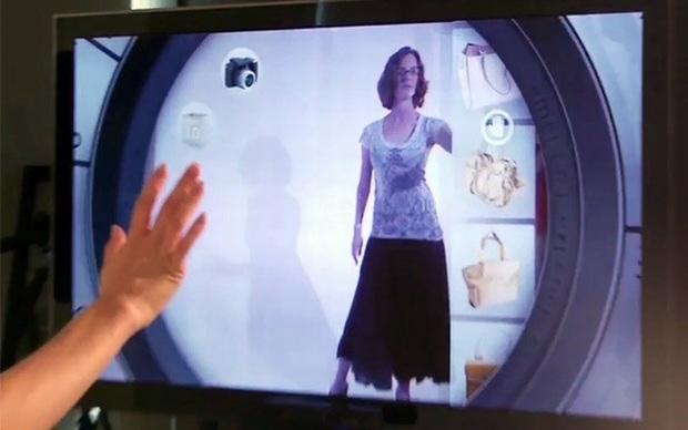 Com Kinect cliente descobre como a roupa vai ficar  (Foto: Reprodução)