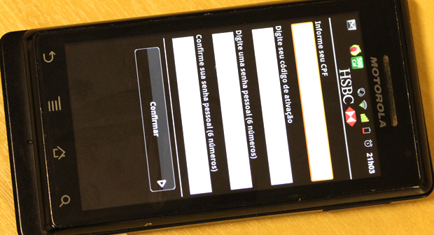 Apesar de estar fora das lojas de aplicativos, o HSBC possui soluções para Android, BlackBerry e celulares com Java (Foto: Allan Melo/TechTudo)