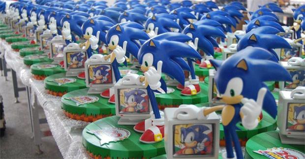 Figura comemorativa de Sonic para aniversário de 20 anos (Foto: Divulgação)