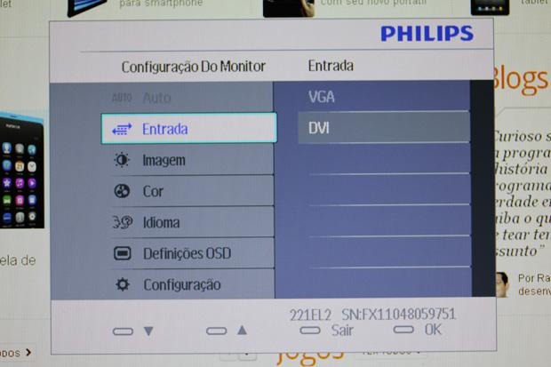 Menu do monitor Philips LED 221EL2 (Foto: Allan Melo)
