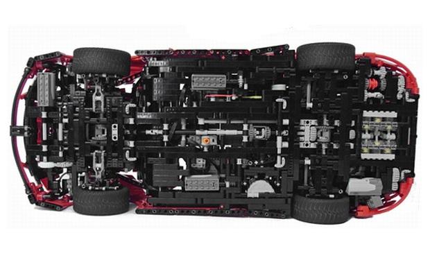 Réplica de Porsche feita de LEGO (Foto: Divulgação)