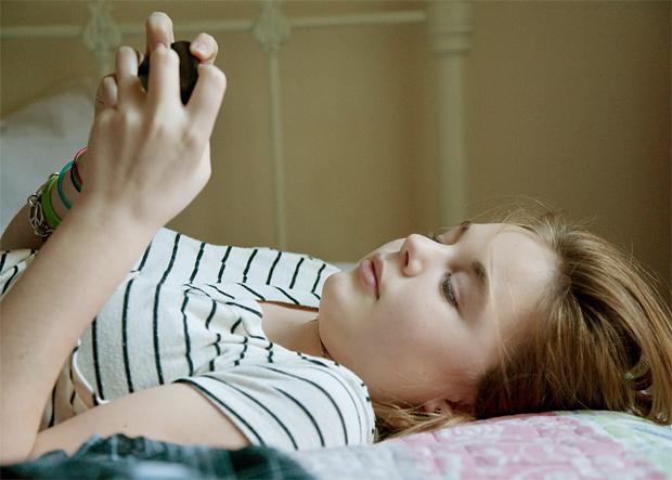 Pesquisa afirma que pessoas estão viciadas em smartphones (Foto: AppAdvice)