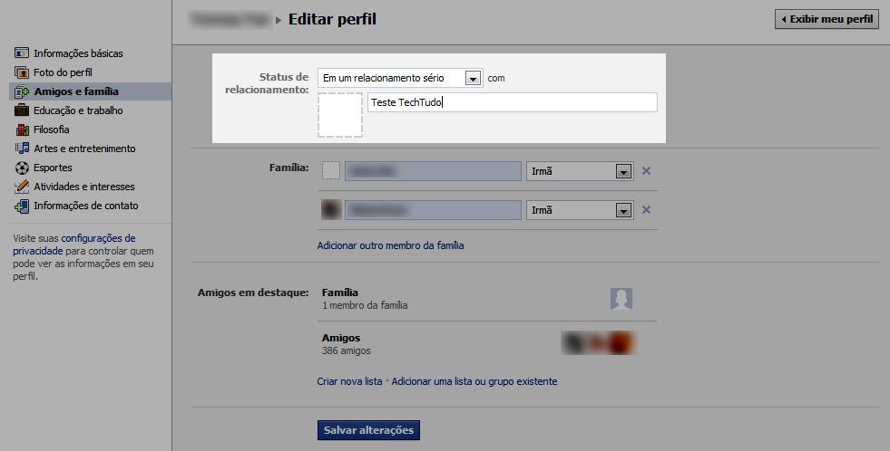Alterando o status de relacionamento no Facebook (Foto: Reprodução / Teresa Furtado)
