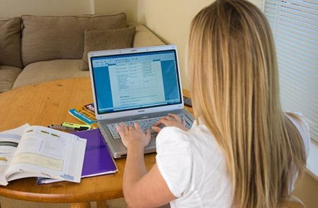 Internet em excesso causa problemas? (Foto: Reprodução)
