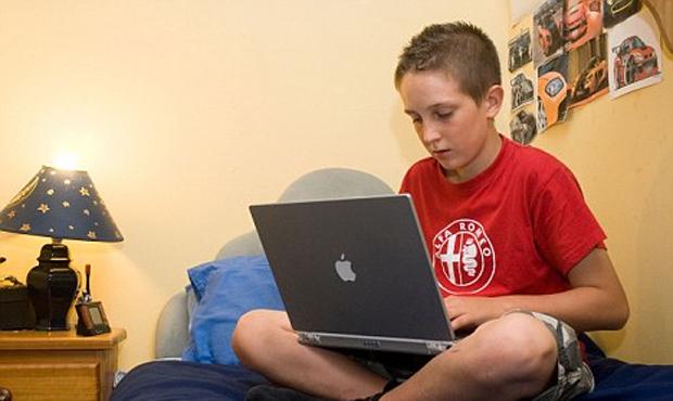 Crianças e redes sociais (Foto: Reprodução)