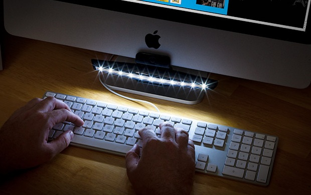 Tecnologia Ponto X Mantis, uma luminária LED para a sua mesa de trabalho