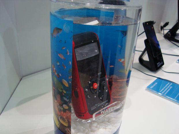 Samsung W200 (Foto: Reprodução)