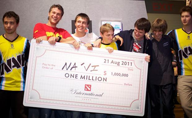 Equipe vencedora do prêmio de US$ 1 milhão em Dota 2 (Foto: Game Informer)