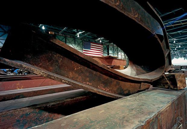 Destroços do 11 de setembro estão em exposição nas cidades de Londres, Barcelona e Nova York (Foto: Divulgação)