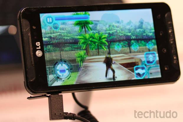 Jogos no LG Optimus 3D (Foto: Allan Melo/TechTudo)