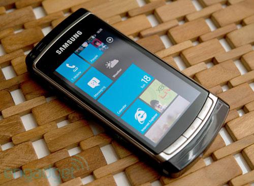 Windows Phone 7 da Samsung (Foto: Engadget)