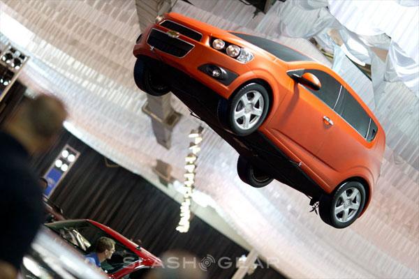 Chevrolet Sonic voa com gás hélio. (Foto: Divulgação)