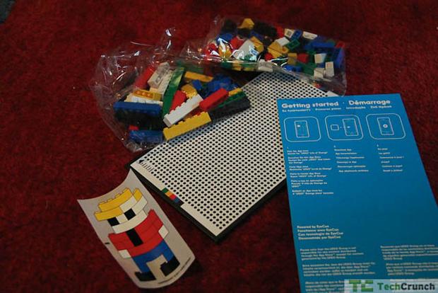 Jogo de realidade aumentada com Lego (Foto: TechCrunch)