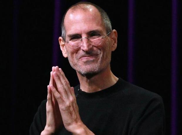 Steve Jobs em pose de prece (Foto: Reprodução)