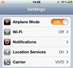 """Colocando o iPhone em """"Modo Avião"""" (Foto: Reprodução)"""
