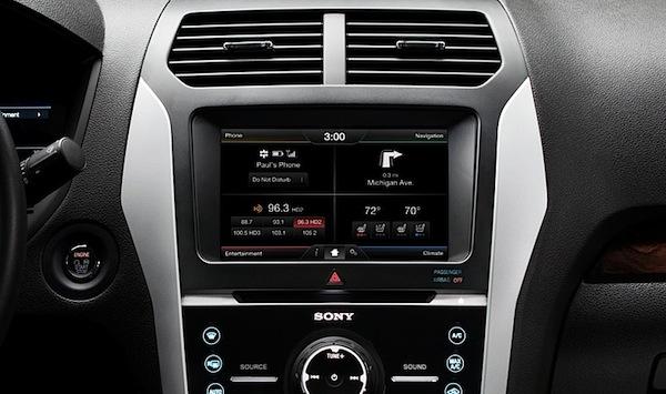 Até mesmo o rádio vai ser controlado por voz, sendo necessário apenas pedir para ouvir uma música que esteja armazenada em MP3. (Foto: Divulgação)