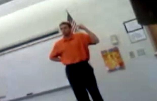 Aluno filma professor fazendo bullying durante a aula (Foto: Reprodução)