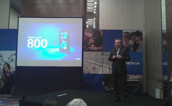 Stephen Elop apresenta Lumia 800 (Foto: Nick Ellis/TechTudo)