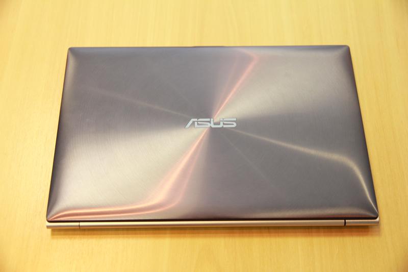 ASUS UX31 (Foto: TechTudo / Allan Melo)