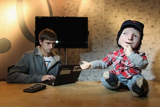 Robô Kasper. (Foto: Reprodução/ Daily Mail)