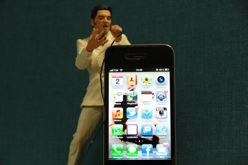 iPhone 4 (Foto: Allan Melo/TechTudo)