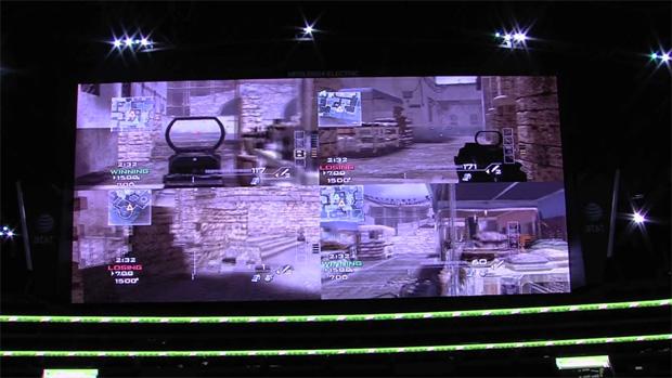 Partida de Call of Duty: Modern Warfare 3 é jogada na segunda maior tela HD do mundo (Foto: Divulgação)